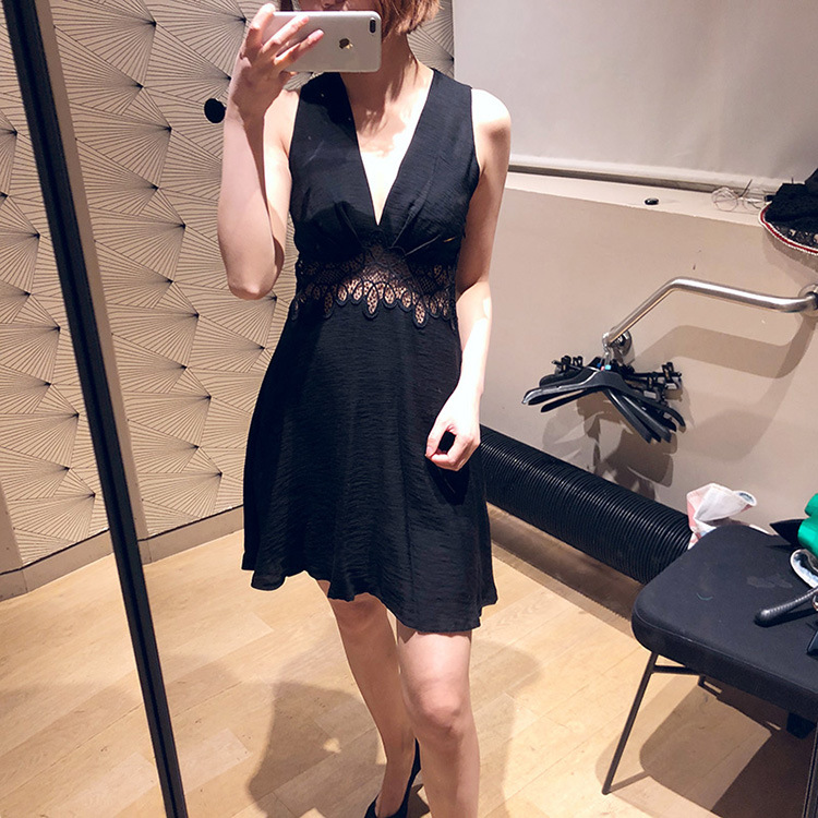 Woman Dress 2019 Spring and Summer Slim Deep V neck Sexy Cutout Dress Dress