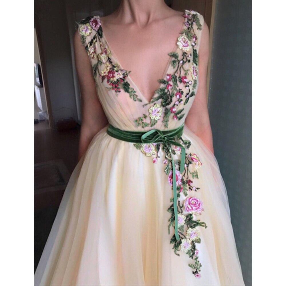 Champagne merveilleuse Appliques robe de soirée 2019 lumière Tulle col en V une ligne longueur de plancher longue élégante musulmane robes de bal robe de s