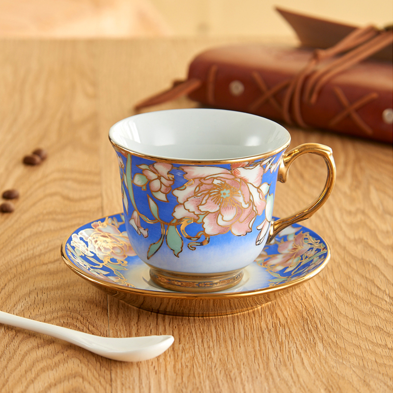 Europe style Bone China Coffee Cup Saucer Spoon Set 220ml Luxury bone china mug set Coffee Tea Cup kitchen home Party Drinkware in Coffeeware Sets from Home Garden