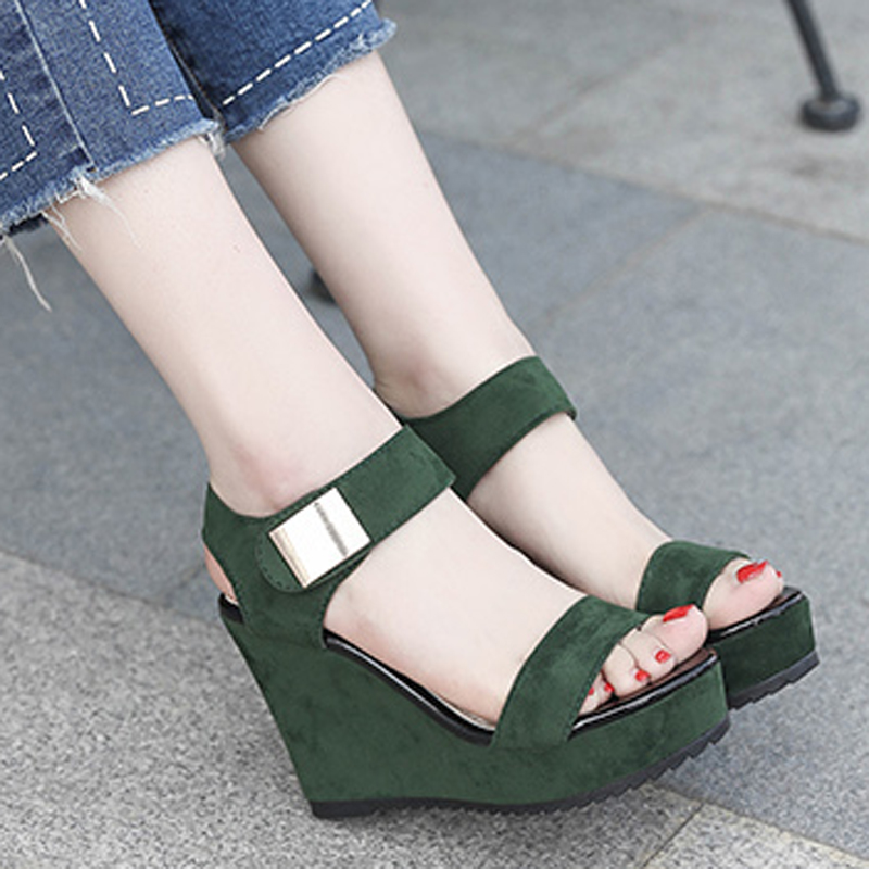 اليوم HEE زلة أحذية