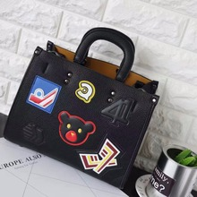 2016 Fashion New Womens Ladies Bear Cartoon Printing Appliques Badge Handbags Shoulder Bags Casual Tote Red Grey Black Bag Party
