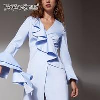 TWOTWINSTYLE Ruches Femmes Robe de V Cou Flare Manches Asymétrique Zipper Mini Robes 2018 Ressort Plus La Taille Vêtements De Mode