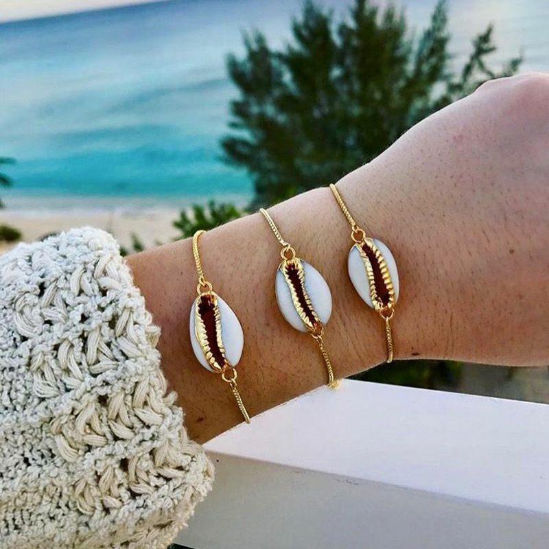 2018 New Seashells Shape Bracelet Gold Chain Fashion Conch Bracelet for Women Simple Summer Beach Holiday Jewelry Gift for Girls