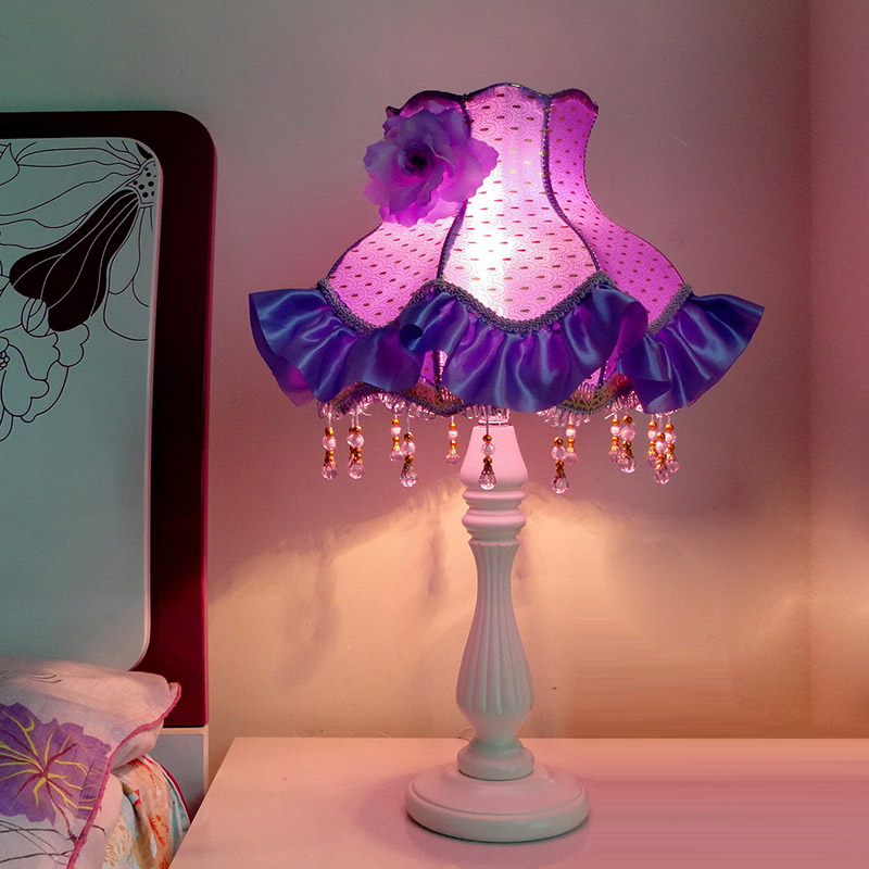 Modern European princess lace Bedsides Table Lights wood Base Bedroom Table Lamp Spots Rose Fabric Lampshade Wedding desk lamp european style garden princess bedroom bedside lamp shade cloth fabric floral lace crystal simple dimmable
