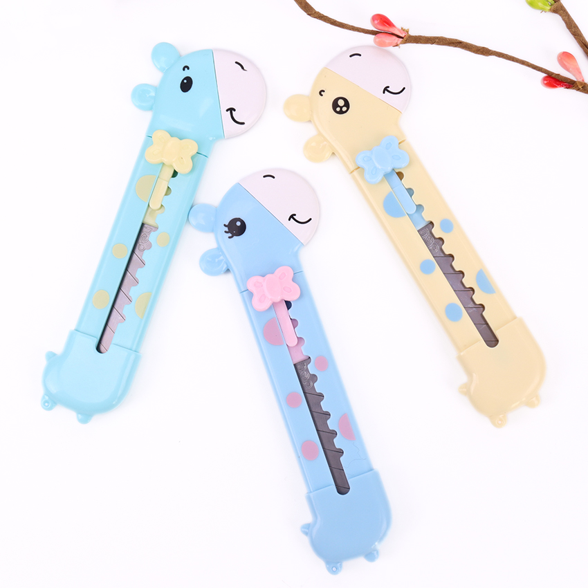 1PC Stationery Cartoon Art Designer Knife Children Art Knife Letter Opener Giraffe Plastic Lovely Cutting Knife