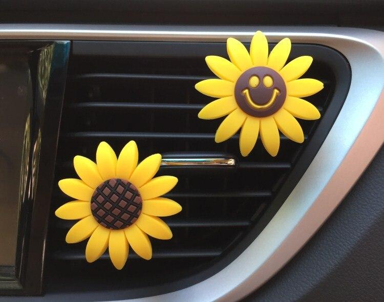 Sunflower Smiley Flower Perfume Clip Car Air Freshener Car Diffuser Air Condition Vent Perfume Balsam Balm Car Decoration XCZ534