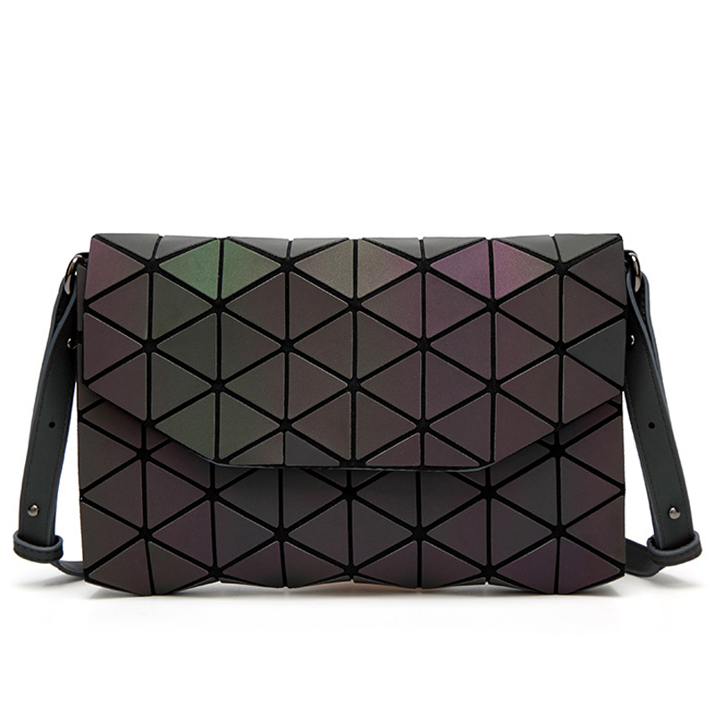 77a3e050d Saco Pvc Bag Nova Flap Bolsas 2018 Dobrado Laser Femininas Mensageiro Forma  Da Luminous Feminino Mini ...