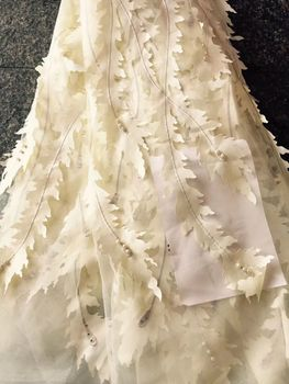 2018 Hot Sale African French Lace Fabric with Beads for Wedding Favors and Gifts High Quality 3D Flower Design Tulle Lace C016