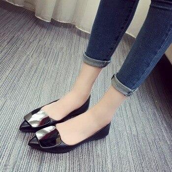 2019 Mulheres Apartamentos Fivela De Metal Sapatos Baixos Mulheres Mocassins Sapatos de Senhoras de Couro Ocasional Dedo Apontado Deslizamento Em Sapatos Para As Mulheres 1