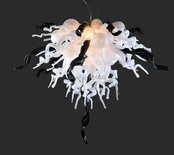จัดส่งฟรีแสงที่ไม่ซ้ำกันสีดำและสีขาวมือเป่าแก้วโคมไฟระย้า