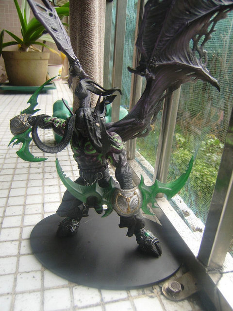 Game Wow Demon Hunter illidan Stormrage PVC Action Figure Toys 2