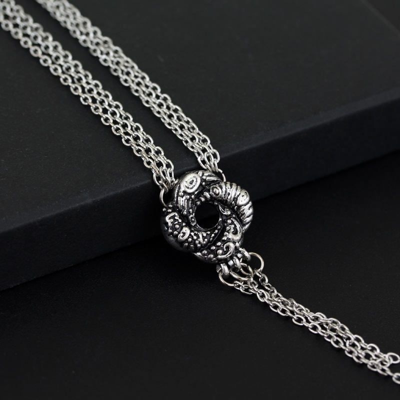 Algerian Loveknot Necklace Vesper Lynd Casino Royale Bond Girl Love Knot Necklace Vintage Silver Plated Women Jewelry image