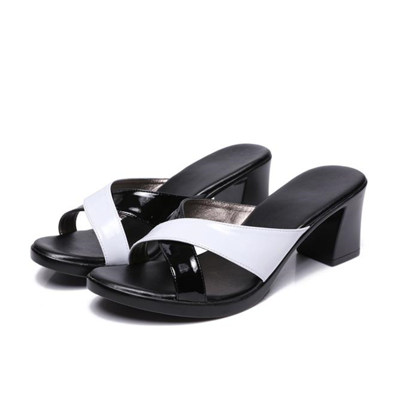 2018 summer new  platform soft surface thick non-slip middle-aged mother slippers fashion plus size women's sandals and slippers