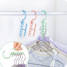 Hot Selling Five hole plastic drying laundry clothes hangers racks Multifunction bedroom chest hook clips new Design
