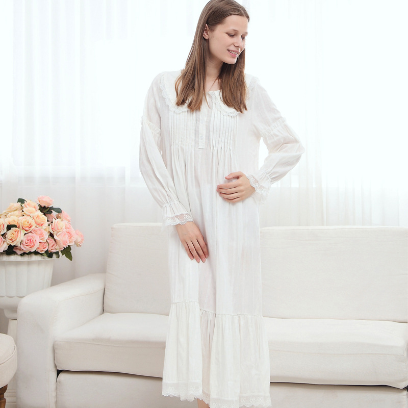 e8028ac09a White Long Sleeves Long Nightgown for Women Princess Long Night Dress  Cotton Sleepwear-in Nightgowns   Sleepshirts from Underwear   Sleepwears on  ...