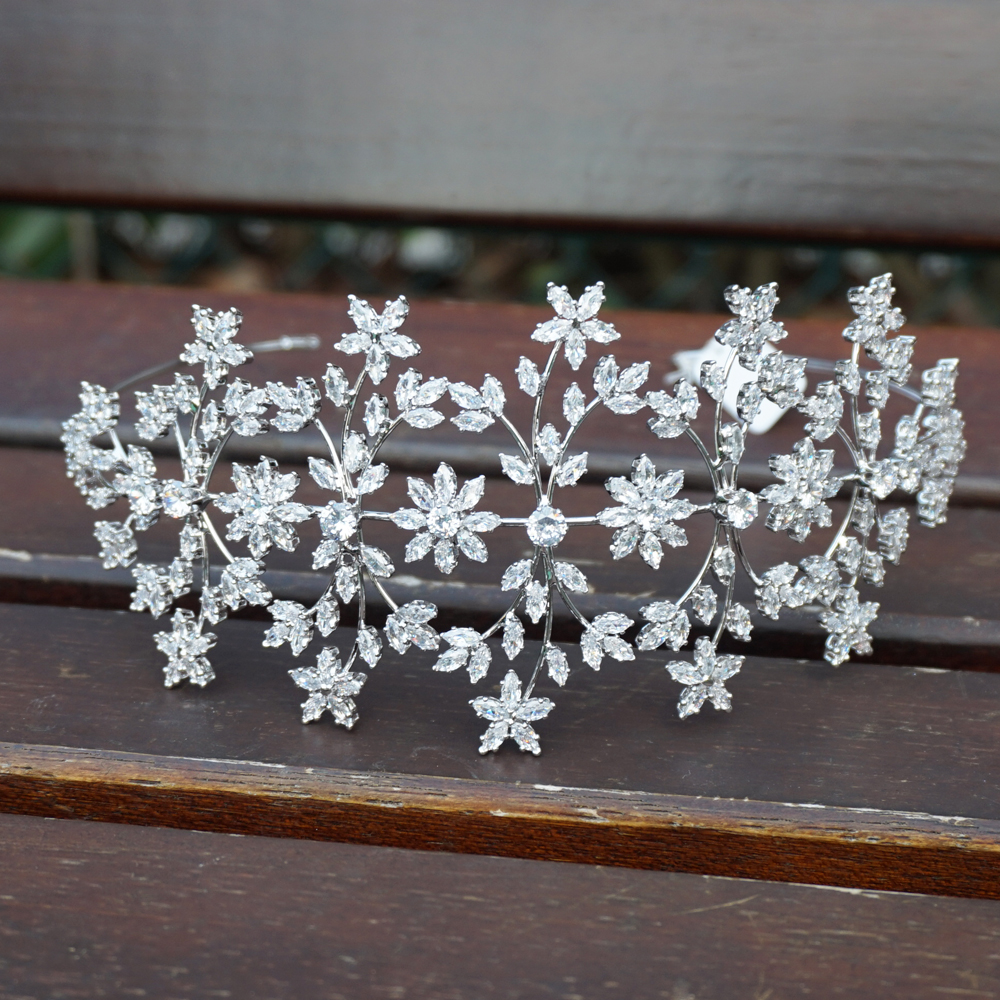 Luxury Silver Cubic Zirconia Wedding Tiara Crown Bride Hair Accessories Tiaras High Quality Princess Crown Party 2019 in Hair Jewelry from Jewelry Accessories