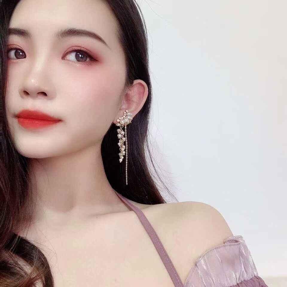 2019 New Arrival  Pearl  Classic Water Drop Women Dangle Earrings Tassel Earrings Female  Korean Fairy Long  Jewelry For Female