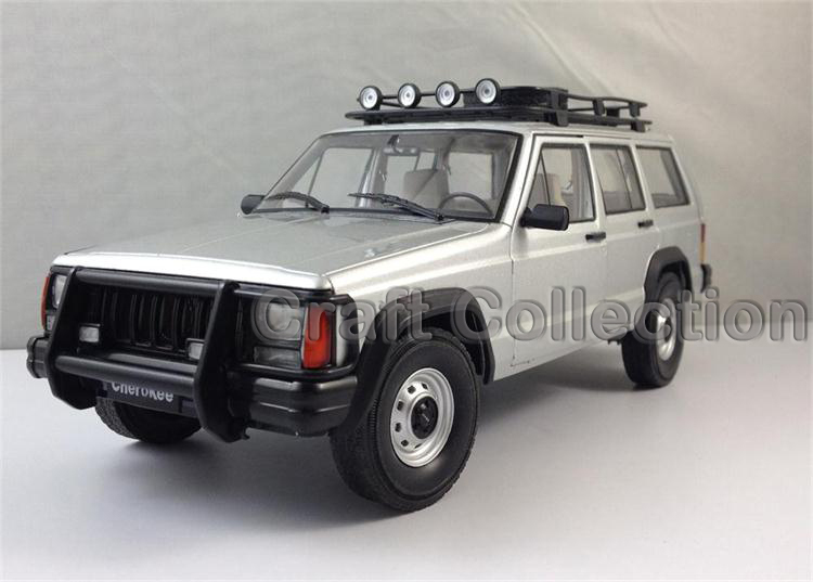 * Silver 1/18 Car Model for Jeep Cherokee 2500 Off Road Vehicle SUV Alloy Toy Car 1 18 otto renault espace ph 1 2000 1 car model reynolds