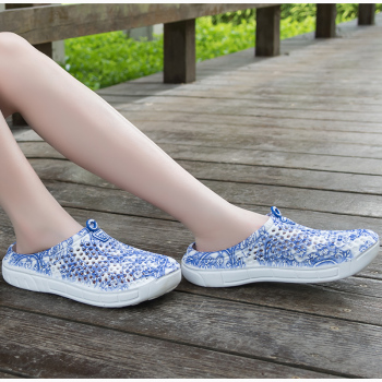 2019 Fashion Breathable Shoes Clogs Women Sandals Ladies Beach Sandals Hollow Out Casual Outdoor Waterproof Slippers Flats Shoes