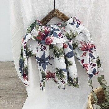 76c9ebac4ac Оборками воротник ретро для маленьких девочек Цветочные Блузки Новый 2019  весна осень От 1 до 6 лет рубашки с длинными рукавами малышей Одежда
