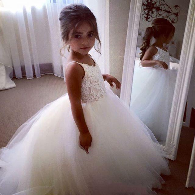 חמוד בציר פרח ילדה שמלות תחרה טול Flowergirl שמלת ספגטי רצועות שרוולים נפוח תחרות