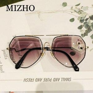 Image 3 - MIZHO براون الفاخرة العلامة التجارية المعادن النظارات الشمسية النساء الطيار موضة حجر الراين قطع التدرج رمادي Vintage نظارات شمسية السيدات العصرية