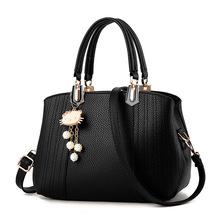 New tide female bag 2019 classical styling sweet lady handbag worn one shoulder