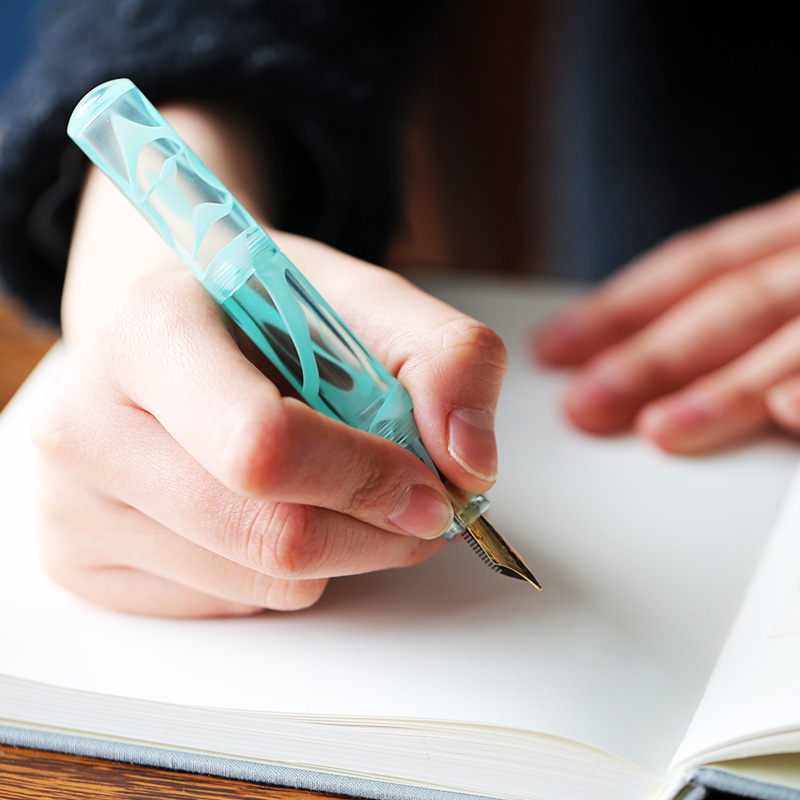 Moonman Wancai Mint Green Portable Mini Transparent Palm Short Fountain Pen, Travel Ink Pen Iridium EF/F Nib Writing Gift Set