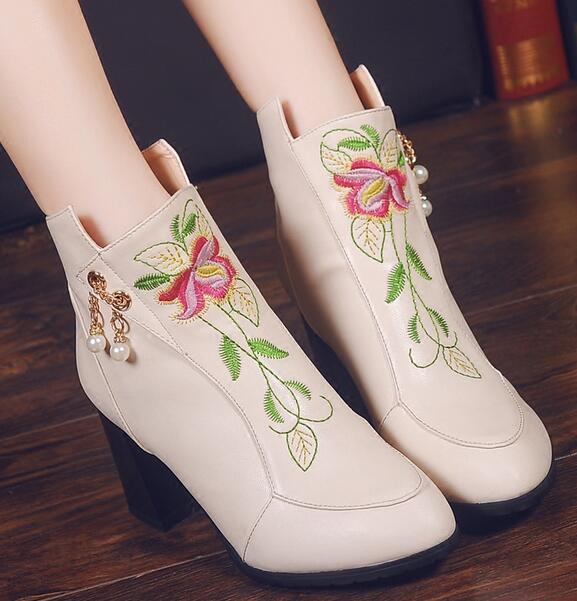 ФОТО Women Fashion Embroider Shoes 2 Colors Ankle Boots Spring Summer Wholesale Ladies Shoes