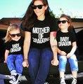 Familia Ropa A Juego 2017 Algodón Camiseta Para Mon Hijo Hija Familia Me Equipos Del Bebé Familia Mirada Más Tamaño Ropa de La Madre