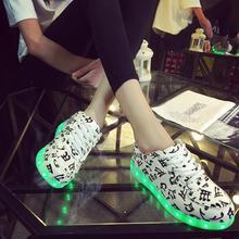 LED Chaussures Pour Mâle Et Femelle Lumière Up Casual Chaussures Pour adultes Lumineux Chaussures Haute Qualité Et Dentelle Up Pour Les Amateurs c35 65