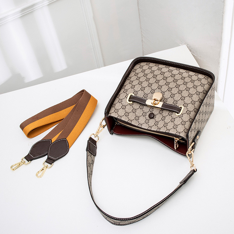 KXF Small Cross Body Bag PU Leather Cell Phone Pouch Purse Wallet Mini Travel Messenger Bag Shoulder Bag with Adjustable Shoulder Strap Fit Smartphone Up to 6.5