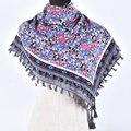 Mujer Bufandas Del Encanto Suave Pequeñas Flores Borlas Bufanda Cuadrada de Algodón de Invierno de La Muchacha Caliente Estilo Nacional Floral Del Mantón Del Abrigo