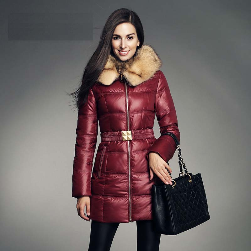 Italy fashion women 2018 down coat jackets with a large natural real raccoon dog fur collar hoodie female parkas red blue brown