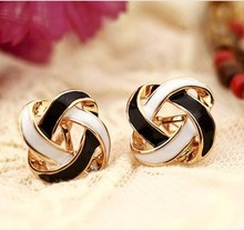 Lucky black and white upholstered no pierced earrings painless ear clip,ear jewelry without piercing brincos(China)