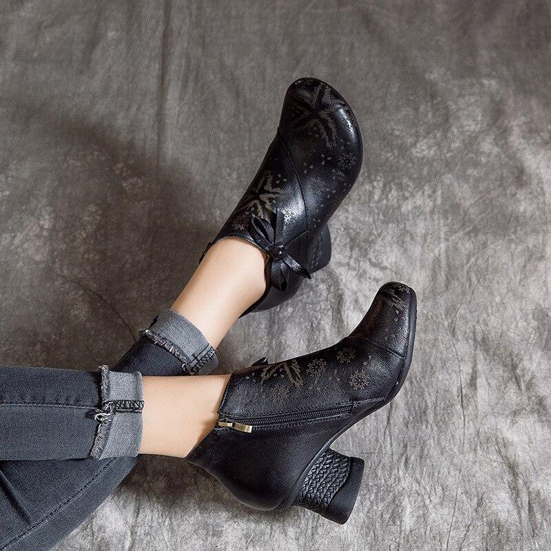 女性刺繍ブーツ革 6 センチメートルハイヒール春の靴 2019 レトロスタイル手作り本革の女性のアンクルブーツブランド  グループ上の 靴 からの アンクルブーツ の中 1