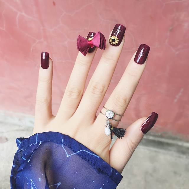 Elegante Vino Tinto Puro Color Con Arco De Mariposa Decoración 3d Uv