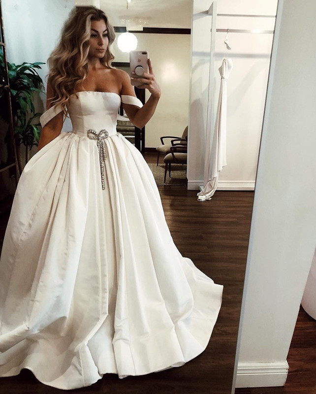 Images Of Ball Gown Wedding Dresses: Simple Ivory Satin Ball Gown Wedding Dress 2019 Elegant