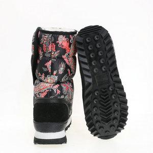 Image 5 - Caldo scarpa femminile 2019 di nuovo stile di disegno del fiore di inverno doposci sacchetto di nylon di stampa superiore della mucca pelle scamosciata vincolante più il formato libero la nave