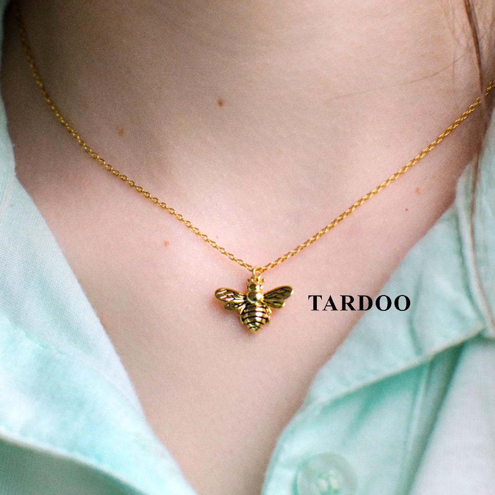 Tardoo Gold Bee Pendant Necklace 925 Silver Cute Honeybee Necklace Fashion Jewelry For Women Black Strips Honey Bee Necklace tardoo golden moon pendant necklace 925 silver simple gold chain link crescent necklace women fine jewelry moon pendant necklace
