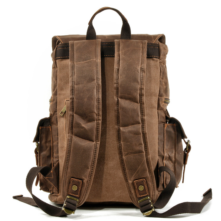 picture of the back of the tallinn vintage rucksack made of waxed canvas and crazy horse leather from eiken shop