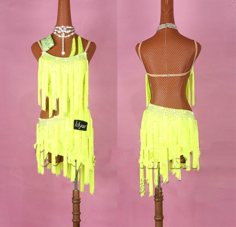 Shiny Rhinestones Latin Dance Dress Women Salsa Costumes High-end Custom Fluorescent Yellow Tassel Slant Latin Dresses