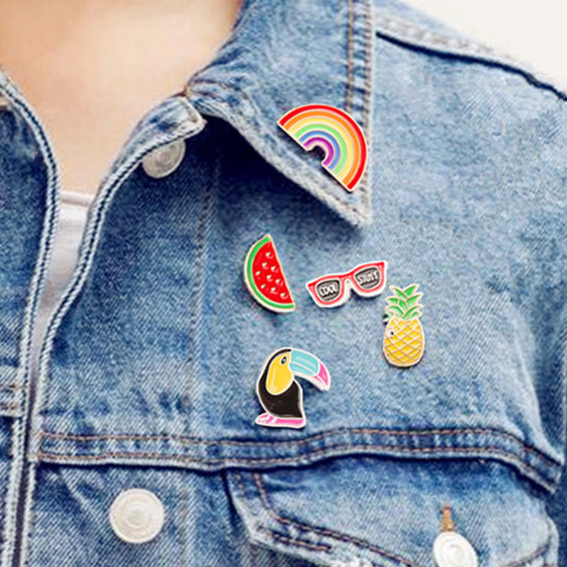 Badges Fast Deliver 1 Pcs Creative Planet Rabbit Pilot Metal Brooch Button Pins Denim Jacket Jewelry Pin Decoration Badge For Clothes Lapel Pins