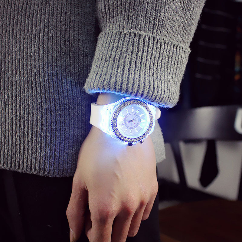 led Flash Luminous Watch Personality trends students lovers jellies woman men's watches 7 color light WristWatch 1