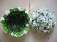 30cm White Plastic Center With Green Leaves Artificial Flowers Balls