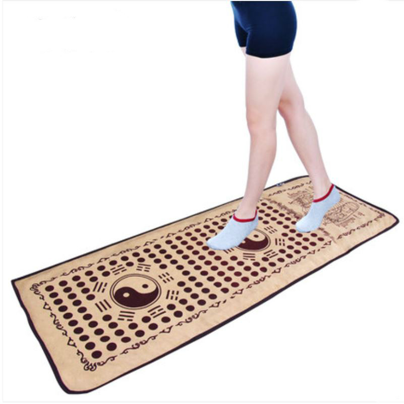 Faux suede material foot foot massage cushion is imitation pebbles gravel road foot massage blanket refers to the pressure plate carpet of foot massage foot massage blanket foot massager foot to relax