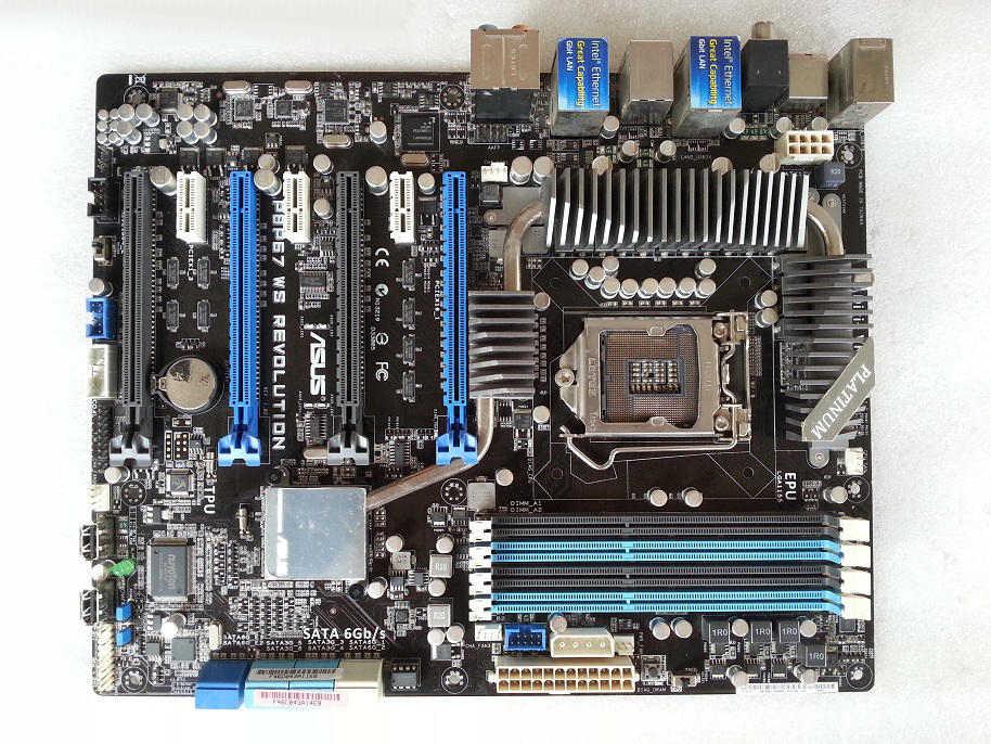ASUS P8P67 WS rewolucja stacji roboczej płyta główna podwójny Giga czteroosobowy SLI 90% nowy