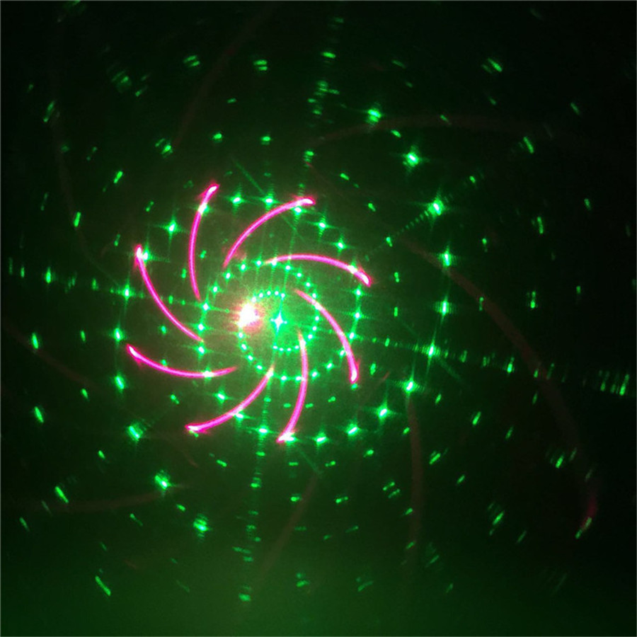 thrisdar 20 patterns moving christmas laser projector lamp red green