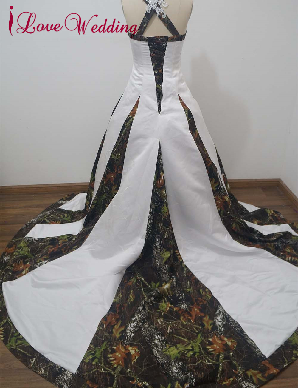 61ba60ca7c3df iLoveWedding Ball Gown Camo Wedding Dresses Sleeveless Halter Lace Up  Camouflage Appliques Sequined Bridal Gowns Custom CA9-in Wedding Dresses  from Weddings ...