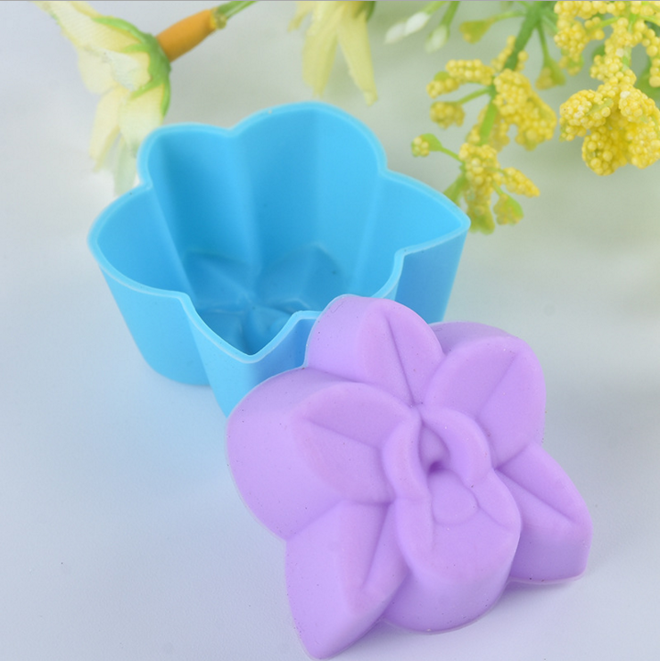 1 Piece flower Cake Mold Cupcake Liner Baking Mold biscuit silicon kitchen stencil form pastry soap Chocolate tool Muffin